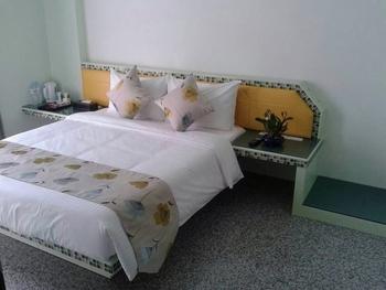 背景墙 房间 家居 酒店 设计 卧室 卧室装修 现代 装修 350_263